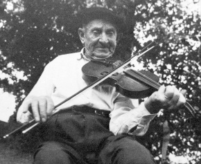 Antonin Chabrier au violon